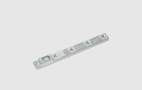 AFCAMÕES AML-1013, Braço inferior de suporte central para portas de aço ou madeira. Para usar com as molas de chão MLS-BTS75V e MLS-BTS80.
