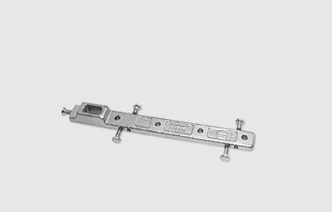 AFCAMÕES AML-1015, Braço inferior DORMA de suporte central para portas vai-vem de alumínio, permite o ajuste a vários perfis.